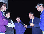 Últimos matices fuera del refugio. De izquierda a derecha Cholo, Dani, Johny, José y Eduardo. - Foto: Eduardo Rodríguez