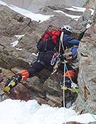 Sección de roca durante la ascensión de los catalanes. - Foto: Exp. K2 Magic Line
