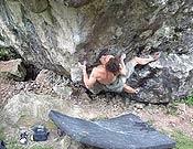 Mark Katz en acción sobre Is De Encanta, 8b de bloque. - Foto: planetfear.com