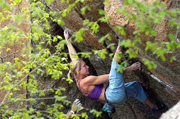 Lisa Rands (1974). Primera mujer en la historia en subir el peligroso E8.
