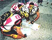 Los deportistas en una de las pruebas. - Foto: aventur.es