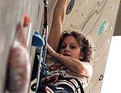 Angela Eiter, campeona de la Copa del Mundo de escalada 2004. - Foto: rockmaster.com