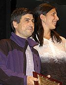 Cecilia Buil y Jesús Bosque recogiendo el Premio