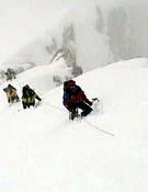 Durante la ascensión al Gasherbrum 3 de Alberto Iñurrategi y compañía. - Foto: bbk.es