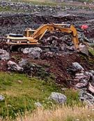 Máquinas trabajando en la ampliación de Formigal por el valle de Espalunciecha.</br>Foto: Plataforma en Defensa de las Montañas de Aragón