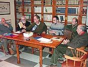 Rueda de prensa ofrecida por los miembros del Comité, una vez inspeccionado el aspecto que presentaba el valle de Espelunciecha. - Foto: M. Polanco