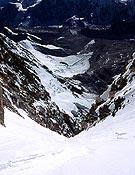 Vertiginosa vista del corredor Peapod, durante su ascensión. - Foto: jclafaille.com