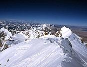 Vista de la arista cimera del Shisha Pangma desde la cumbre. - Foto: jclafaille.com