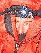Lafaille durante su solitaria ascensión al Shisha Pangma; vivac a 7.000 m. - Foto: jclafaille.com