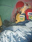 Maciej Pawlikowski a muchos grados bajo cero, durante el intento invernal polaco al K2 en la temporada 2002-2003. </br>Foto: netia.pl