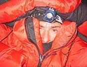 Lafaille durante su solitaria ascensión al Shisha Pangma; vivac a 7.000 m. </br>Foto: jclafaille.com