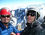 Jacob Smichtz, izquierda, y Aaron Martin en la cumbre del Fitz Roy.- Foto: Aaron Martin