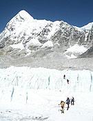 Miembros de una de las expediciones españolas, la mallorquina, en el Everest.- Foto: Exp. Mallorca-Evetest 2005