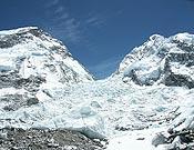 Vista de la cascada de hielo del Khumbu, en el Everest.- Foto: Exp: Mallorca-Everest 2005