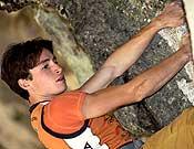 Alex Chabot escalando en Baltzola durante el pasado Dima Rockmaster, en el que se llevó Baltzolita 8c al flash. - Foto: desnivelpress.com