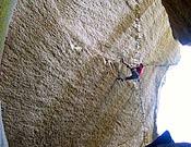 Chris Sharma en Dreamcatcher, propuesta de 8c+ o 9a en Kacademon Rock, Squamish (Canadá). - Foto: Luke Laeser/ climbing.com
