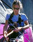 Steph Davis colgando de la hamaca en el Capi. Foto: Steph Davis/ climb.mountainzone.com