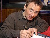Jean C. Lafaille durante su visita a la Librería Desnivel en marzo de 2005. <br>Foto: desnivelpress.com