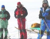 Larramendi, Viu y Oficialdegui durante la travesía polar.Foto: tierraspolares.es