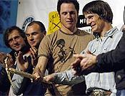 Vince Anderson y Steve House durante el acto de entrega del Piolet d'Or 2006 en Grenoble, junto al resto de nominados salvo Salvaterra, Garibotti y Beltrami. - Foto: Giulio Malfer/ planetmountain.com
