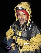 Iván Vallejo durante una ascensión al Nevado Cayambe, Ecuador. ~ desnivelpress.com