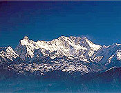 Panorámica de la vertiente suroeste del Kangchenjunga, próximo objetivo de Iván. Buscará su duodécimo ochomil por la ruta original de 1955. - Foto: Unió Excursionista de Sabadell