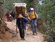 Trekking de aproximación a la vertiente nepalí del Everest. - Foto: Expedició Pirineu de Girona Everest 2006