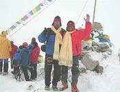 Ivan Vallejo y su compañero al pie del Kangchen.- Foto: ivanvellejo.com