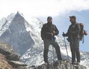 Los andaluces López y Huisa en el Everest.- Foto: Expedición Andalucía Everest