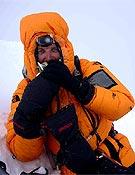 Foto de cima de Jesús Calleja en el Lhotse, que coronó el pasado 12 de mayo. - Foto: Col. J. Calleja