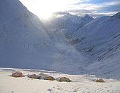 Panorámica del Campo III en el Lhotse, donde está Simone Moro.- Foto: Simone Moro.
