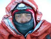 Iván Vallejo a menos 28º bajo cero y a 8.100 metros de altitud en el Kangchen.- Foto: ivanvallejo.com