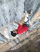 Dani Andrada escalando Humilde pa casa, 8c, en Oliana.- Foto: Pete O