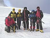 El grupo posando en la cima de la Dôme de Goûter (4304 metros).- Foto: Moisés Gómez