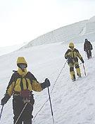 Descenso de la Aiguille de Goûter, tras el intento fallido de cima.- Foto: Moisés Gómez