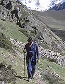 Un excursionista en la montaña palentina, donde tendrá lugar el Campamento FEDME.- Foto: Darío Rodríguez