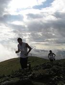 Dos corredores durante la Segunda Puyada a Oturia. Foto: fedme.es
