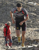 El corredor Kilian Jornet, ganador de la carrera, en el tramo de running.<br>Foto: ociosport.net