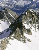 El Aneto en los Pirineos, es uno de los lugares más habituales para la escalada y el montañismo.- Foto: Desnivelpress