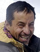 El alpinista e himalayista ecuatoriano Iván Vallejo. Doce ochomiles ya en su haber... ~ desnivelpress.com