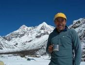 Iván Vallejo en el trekking hacia el Kangchenjunga- Foto:DesnivelPress