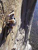 Leo Houlding escalando en Yosemite. Foto: planetfear.com