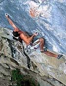 Alex Huber sobre Open Air, 9a. Foto: huberbuam.de