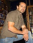Alex Huber visitó, de nuevo, la Librería Desnivel. - Foto: Sergio Prieto