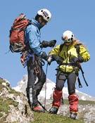 Guía y cliente en los Picos de Europa, zona de Áliva. Foto: Darío Rodríguez.
