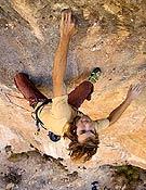 Turno de Chris Sharma en La Rambla, 9a+. La segunda repetición para él... un día después que Edu. ~ desnivelpress.com