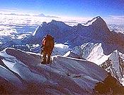Vista del Makalu desde el Balcón de la Ruta sur de Everest. - Foto: Carlos Soria