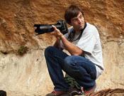 Darío Rodriguez bajo las rocas de Siurana.- Foto: Jorge Jiménez