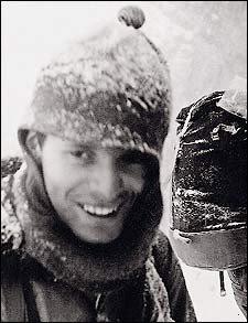 Günter Messner durante la expedición del 70 al Nanga Parbat.<br>Foto: Col. Reinhold Messner