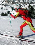 Concentración durante la ascensión en una prueba de esquí de montaña.- Foto: Desnivelpress